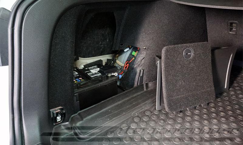 Eftermontera original backkamera i Volkswagen Passat, Golf, Tiguan mm.